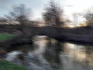 Unruhe - Flusslandschaft